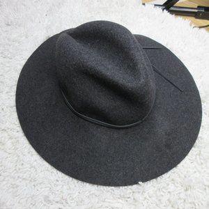 Saks Fifth Avenue black wool hat